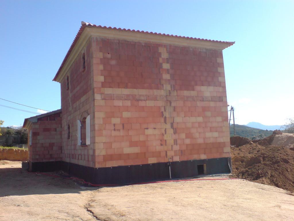 construction maison individuelle piscia rossa serra. Black Bedroom Furniture Sets. Home Design Ideas